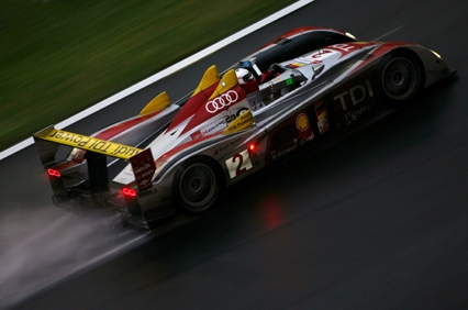 426X282_LEMANS08_RACE_13.jpg