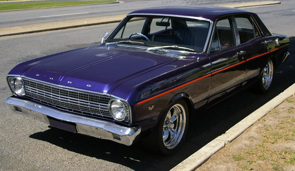 1966_Ford_XR_Falcon_(front_view).jpg