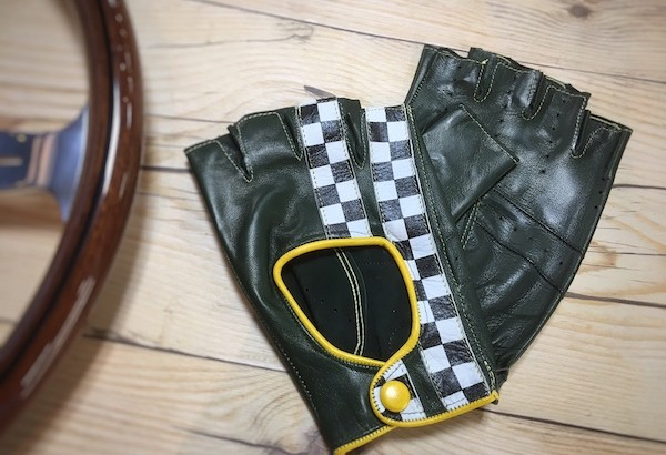 motorimoda_glove_main-600x410.jpg